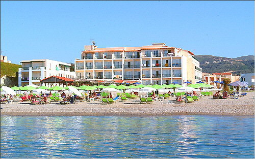 https://www.kreta.com/hotels_und_app/rethymnon_region/hotels/Hotel_Golden_Beach/Fotos/diashow/hotel_golden_beach_05.jpg