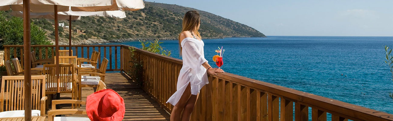 Just switch off and let yourself be pampered, let the Crete-experts plan your  holiday.
