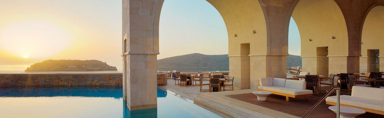 An expert - guide to the best luxury Hotels in Crete, let us plan your luxury vacation package to Crete.